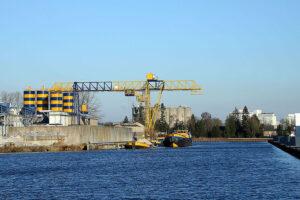 File:Inland Port of Veghel, MBI Beton.jpg