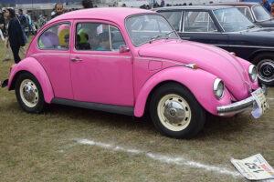 800px-Vintage_Car_Rally_2016_11.jpg