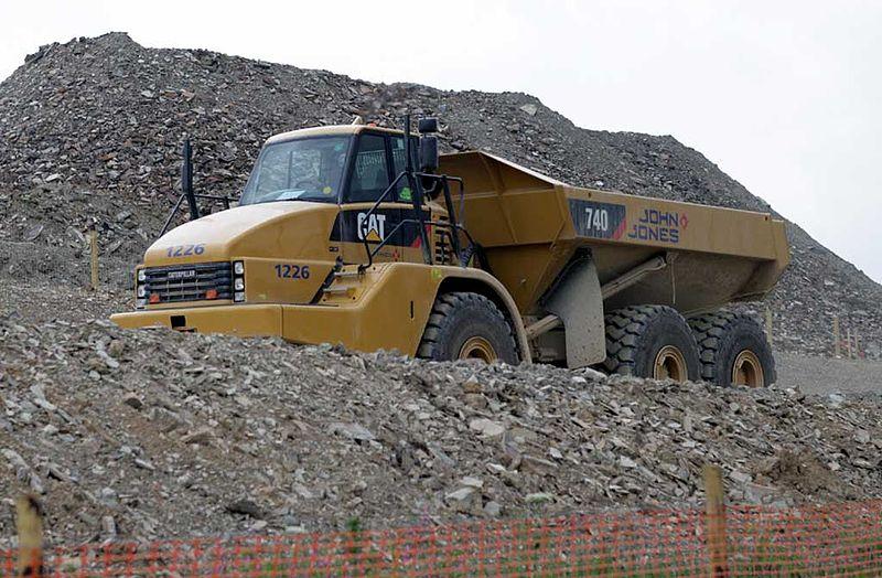 800px-john_jones_caterpillar_740_dump_truck_5_january_2009