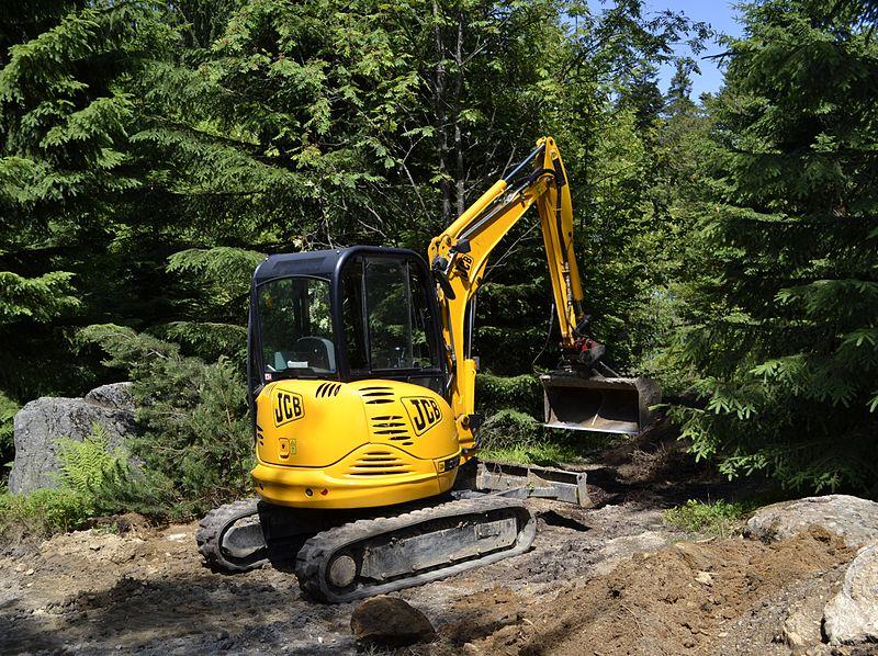 800px-jcb_compact_excavator