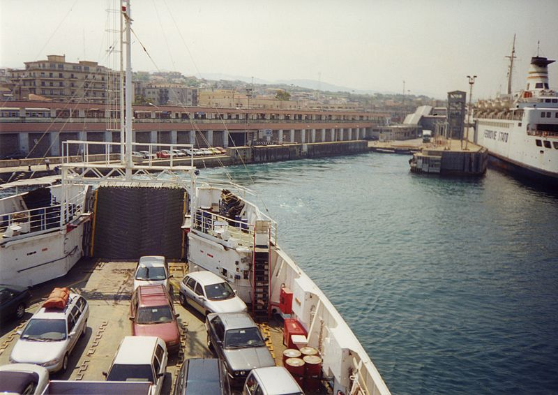 800px-port_italy_-_scan01
