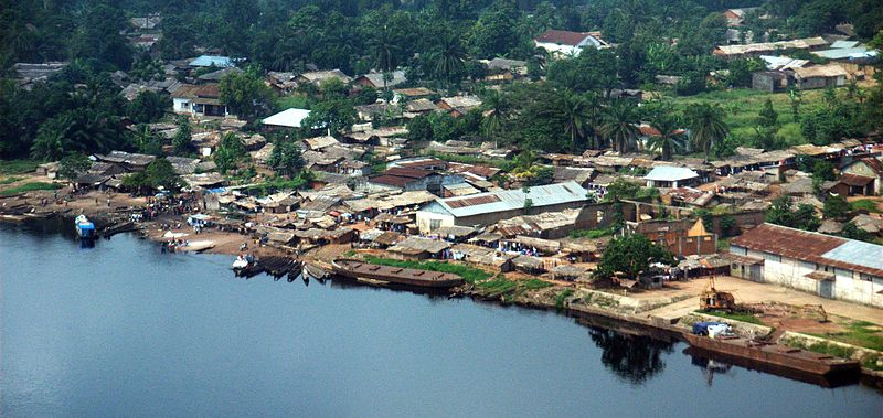 port_of_basankusu_and_river_lulonga